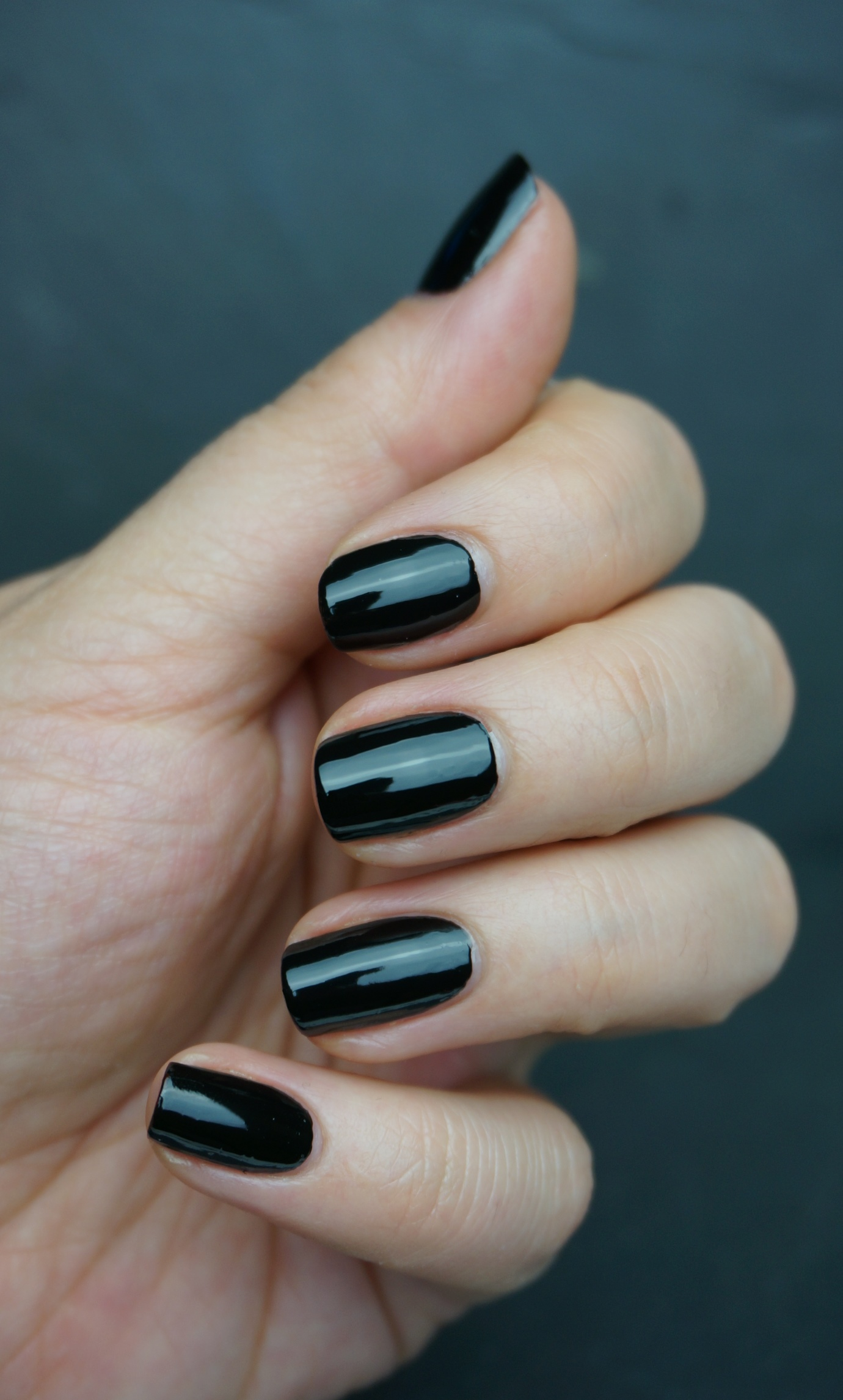 Essie licorice